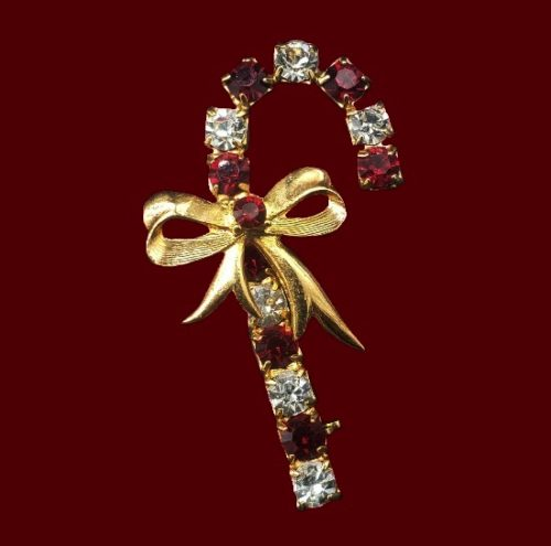 Eisenberg Ice goldtone rhinestones brooch