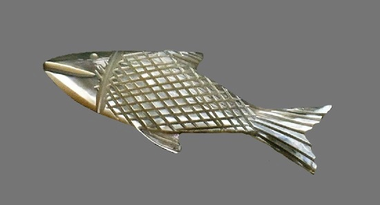 Fish mop carved pin. 1970s