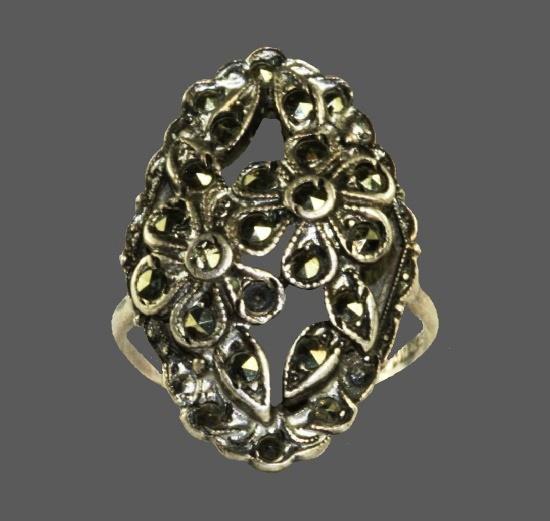 Floral design sterling silver marcasite ring. 1930s