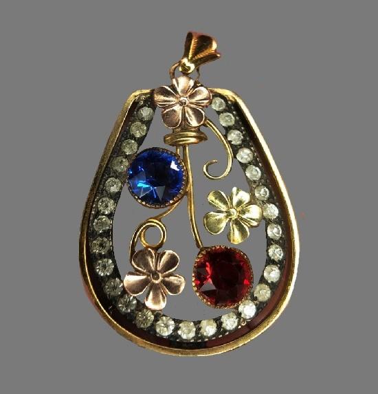 Flower design rhinestones gold tone metal pendant. 1940s