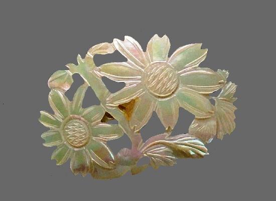 Flower design vintage brooch