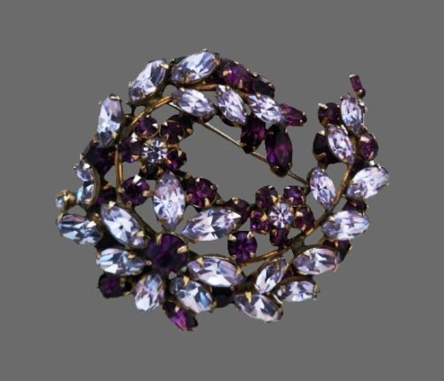 Flower wreath design brooch. Metal alloy, crystals. 6 cm. 1950s