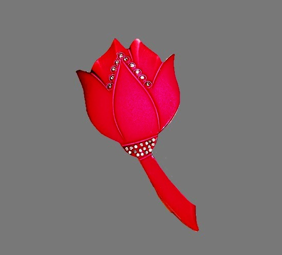 French vintage tulip brooch. Pink galalith, rhinestones. 1930s