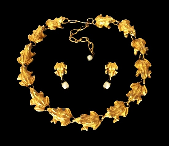 Frog necklace and earrings. Gold tone metal, faux pearl. 1980s