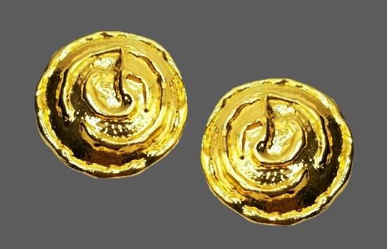 Gold plated Etruscan clip on earrings. 1980s