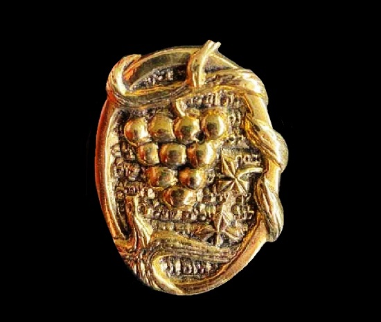 Grape gold plated brooch pendant