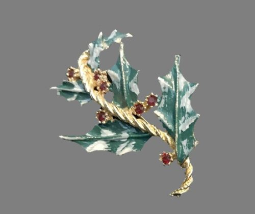 Holly leaves Christmas brooch. Gold tone metal, enamel, rhinestones