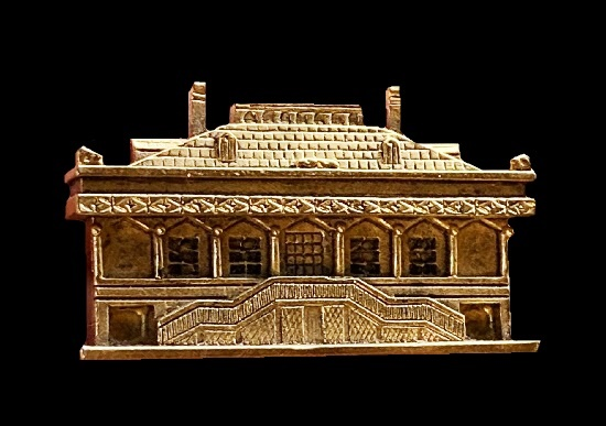 Old building architectural design brooch pendant of gold tone