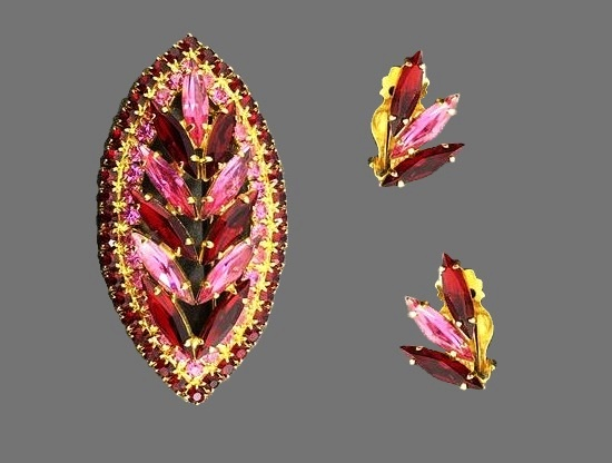 Pink rhinestone gold tone brooch and clip on earrings