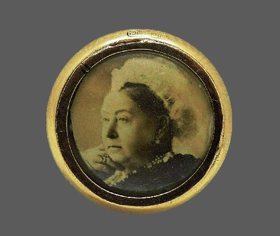 Queen Victoria mourning brooch. 9 K gold
