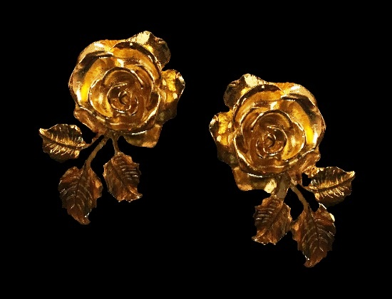 Rose flower clip on earrings of yellow gold tone