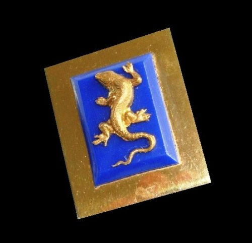 Salamander brooch. Metal alloy of gold tone, galalith