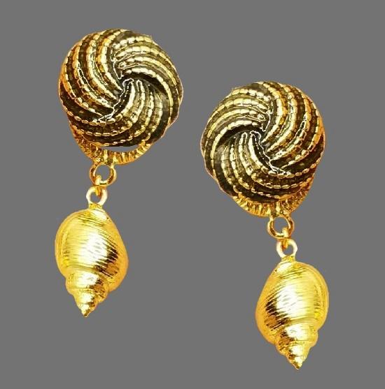 Shell green enamel gold tone dangle clip on earrings