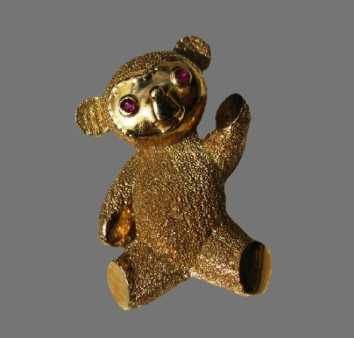 Teddy bear with ruby eyes 14 K gold plated brooch