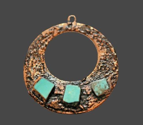 Turquoise stones pendant