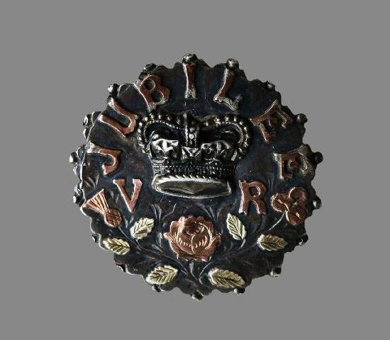 VR Jubilee of Queen Victoria sterling silver brooch. 1887