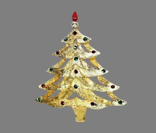Vintage Christmas tree brooch pin. Gold tone metal, rhinestones