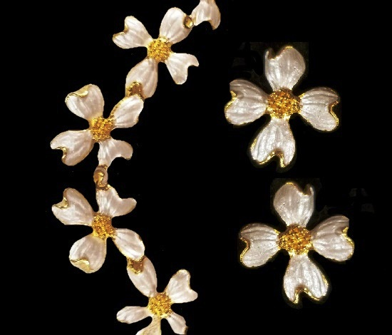 White flower necklace and clip on earrings. Gold tone metal, mother-of-pearl enamel