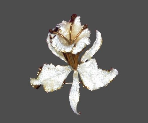 White orchid brooch. 14 K Gold plated, mother-of-pearl, glitter enamel. 1950s