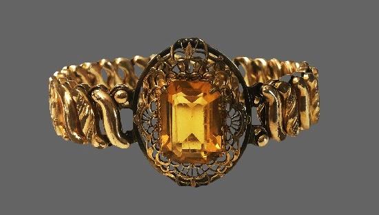 Yellow gold citrine stone filigree design bracelet