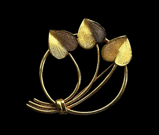 1960s leaf design circle pin. Gold plated, 5 cm