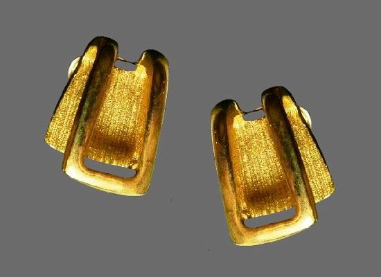 1990s gold tone clip on earrings