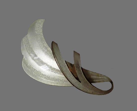 925 sterling silver white enamel brooch. 5 cm. 1950s