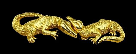 Alligator gold tone belt buckle. 1993