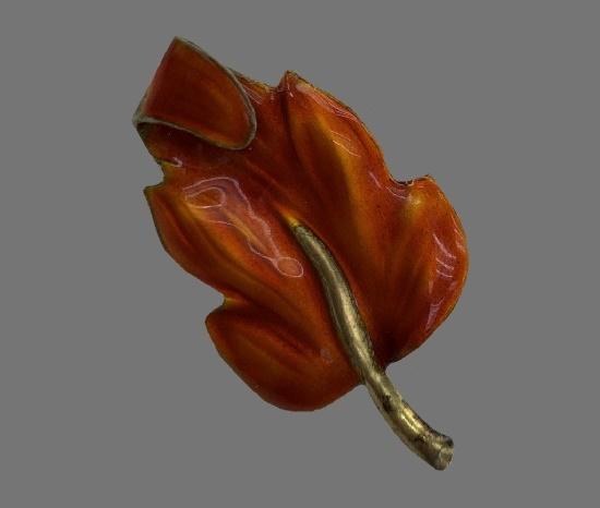 Autumn leaf vintage brooch pin. Sterling silver, orange enamel