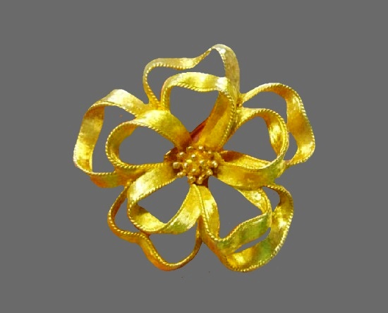 Bow brooch. Brushed gold tone, rhinestones. 1960s