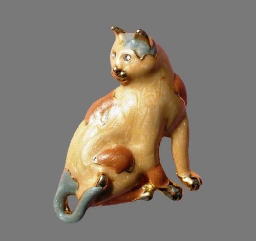 Calico cat pin. Gold tone, enamel