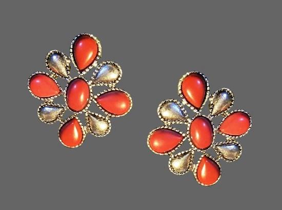 Carnelian tone cabochons silver tone clip on earrings