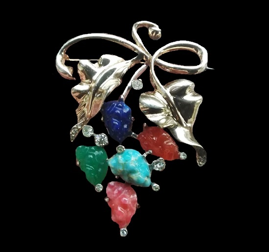 Floral design brooch. 925 Sterling silver, rhodium plated, art glass, crystals. 6.5 cm. 1940s