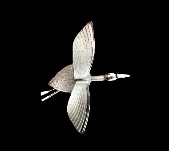 Flying goose sterling silver brooch. 4.8 cm. 1940s