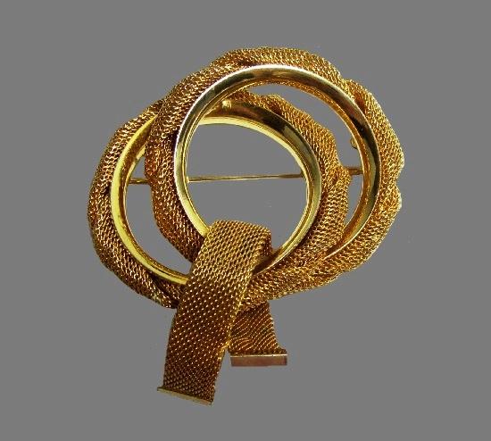Gold tone mesh double circle vintage pin