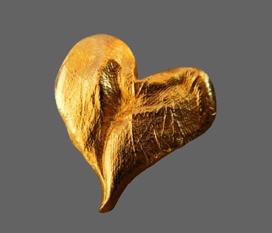 Heart gold tone pendant. 3 cm. 1990s