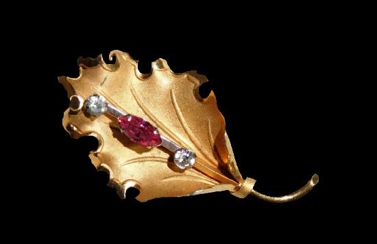Holly leaf gold filled, rhinestones brooch