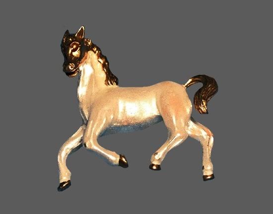 Horse brooch pin. Sterling silver, enamel