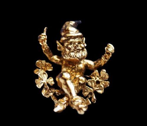 Leprecon gold tone pendant. 2.5 cm. 1980s