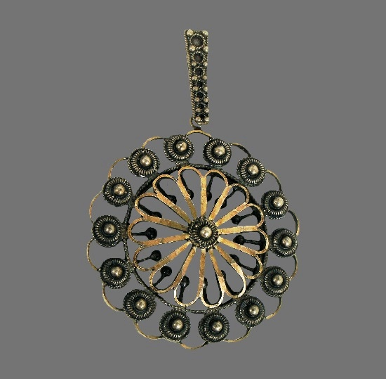 Ornamental design sterling silver pendant