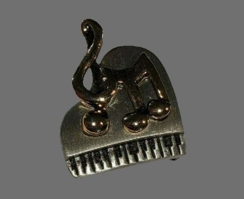 Piano and music notes brooch. Pewter, gold tone metal