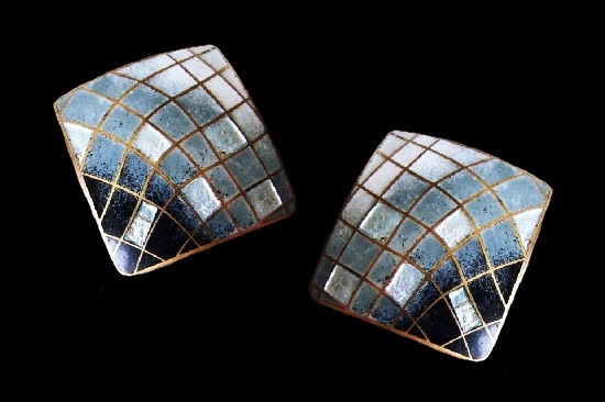 Square shaped pierced earrings. White, black, gray and silver foiled enamel, copper. 1980s