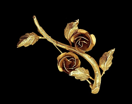 Rolled gold rose design brooch pin. 1940s