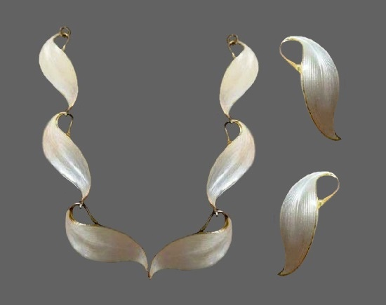 Stylish 1950s white enamel sterling silver necklace and earrings