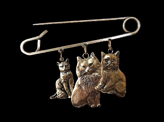 Three cats pin brooch of antique gold tone