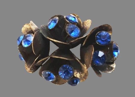 Blue rhinestones brass brooch. 1940s