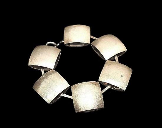 Geometric modernist design silver bracelet. 1971