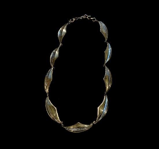 Leaf design sterling silver necklace