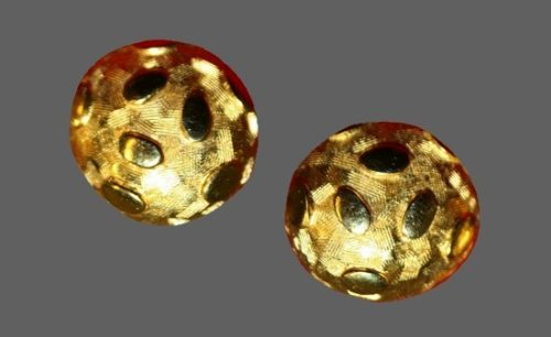 Mid century round shaped textured gold tone clip on earrings