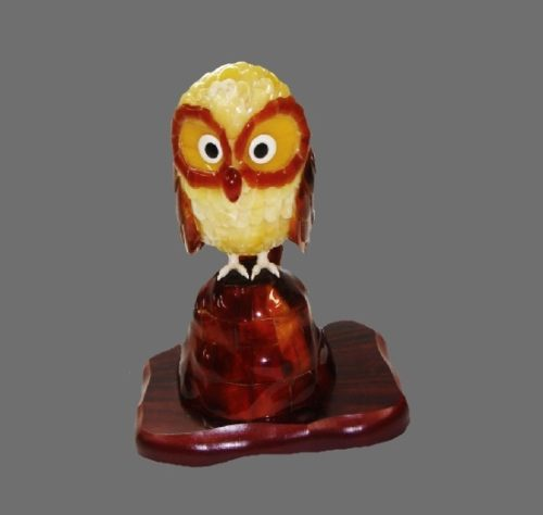 Owl amber figurine made by Takenori Moriyama. Symbol of knowledge and learning in Japan. Also, home protector at night